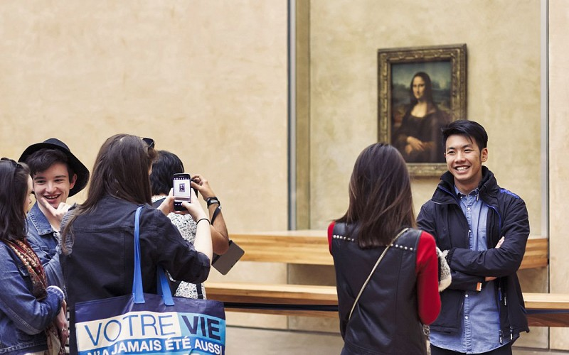 Louvre Museum Small Group Guided tour