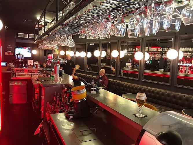 Le Georges Biarritz bar1