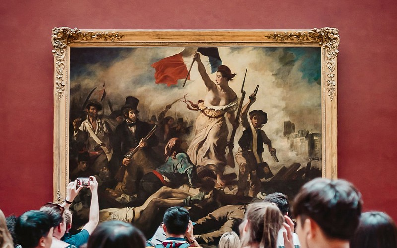 Louvre Museum: Skip-the-Line with Digital Audio Guide & River Cruise