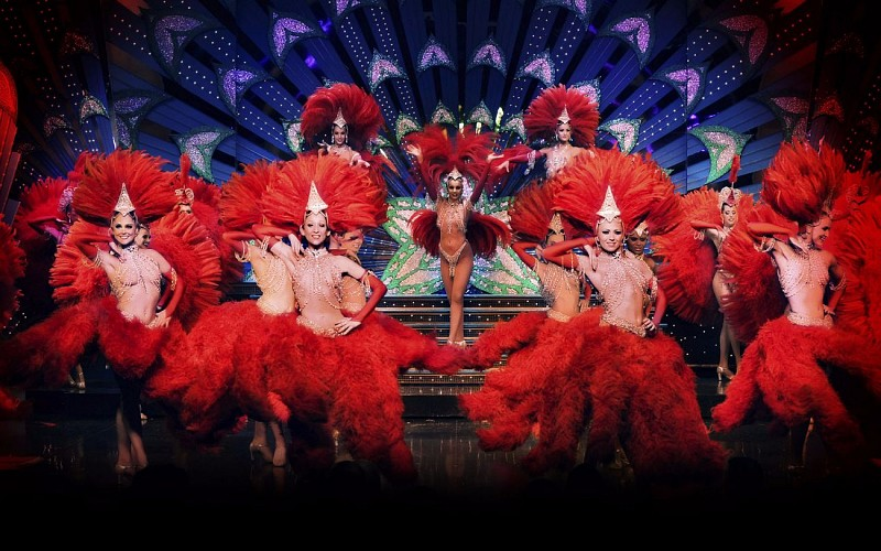Moulin Rouge Show and Champagne with Transfers