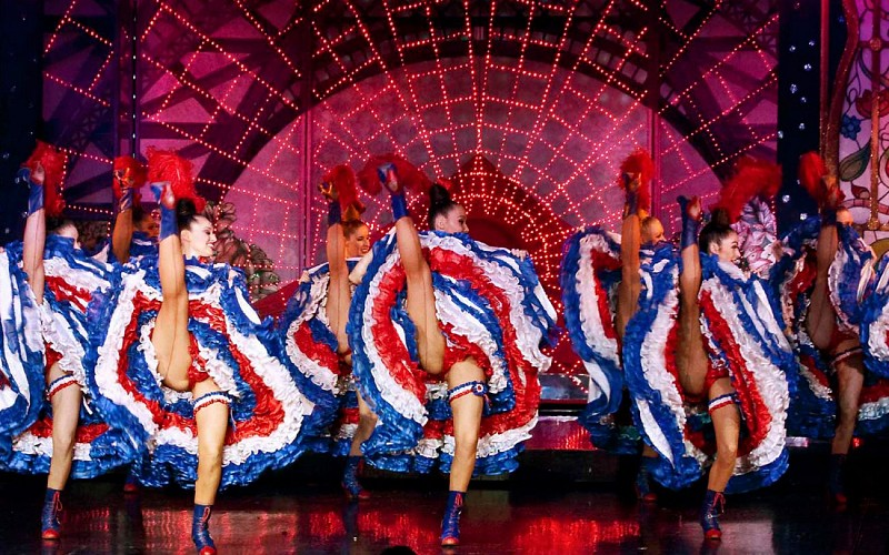 Moulin Rouge Show & Seine River Cruise