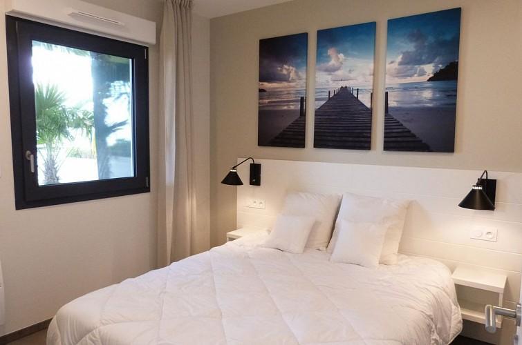 Appartement tout confort en rez-de jardin VUE MER, 2 chambres, Résidence LE REVE***, accès direct plage