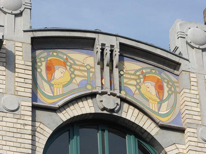 Rue du Parlement n°8 – Logements et ancien magasin