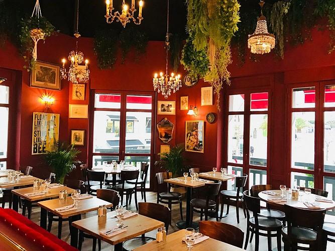 Cafe-des-Artistes-Biarritz-salle3