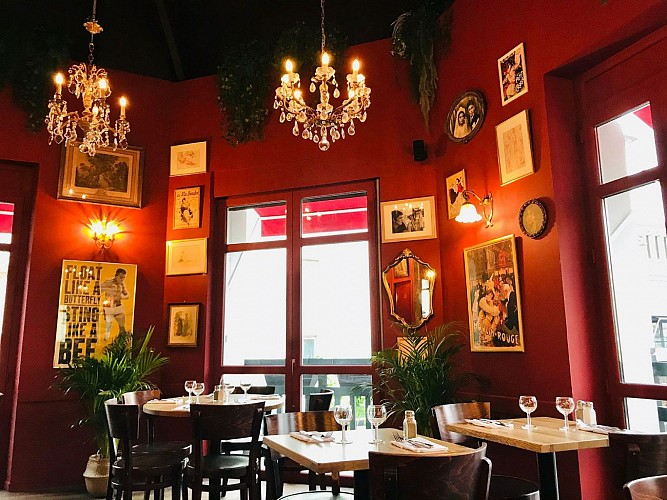 Cafe-des-Artistes-Biarritz-salle4