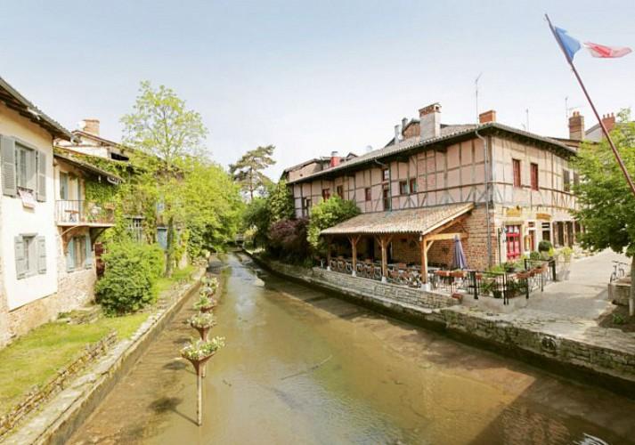 Châtillon-sur-Chalaronne, the medieval town