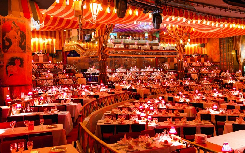 Moulin Rouge Show with Champagne