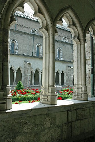 The convent of Saint-Jean-Baptiste Cathedral