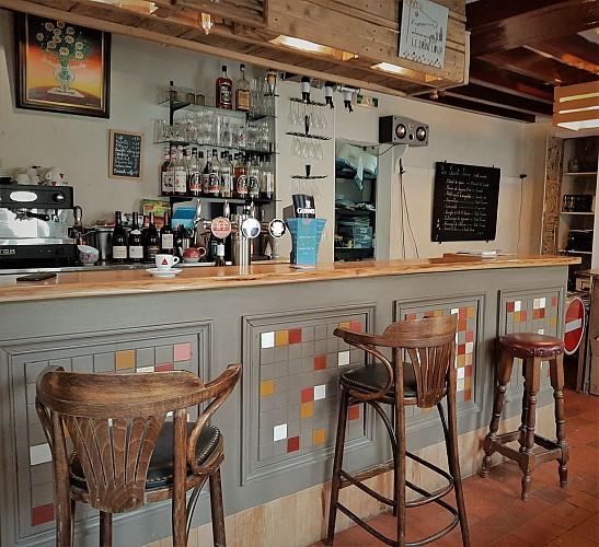 Cernoy en Berry-Restaurant Le Saint-Loup-Bar