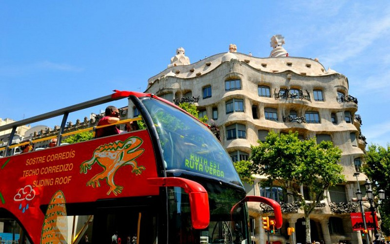 Barcelona City Tour : 1 or 2 Day Hop-On-Hop-Off Tour