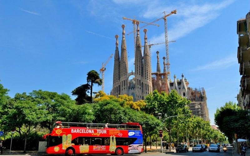 Barcelona City Tour : 1 or 2 Day Hop-On-Hop-Off Tour