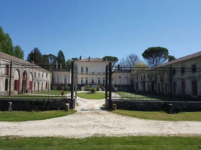 HLOAQU047V50E6HE_OTLT-HLO-Chateau-de-Boisverdun-Tombeboeuf