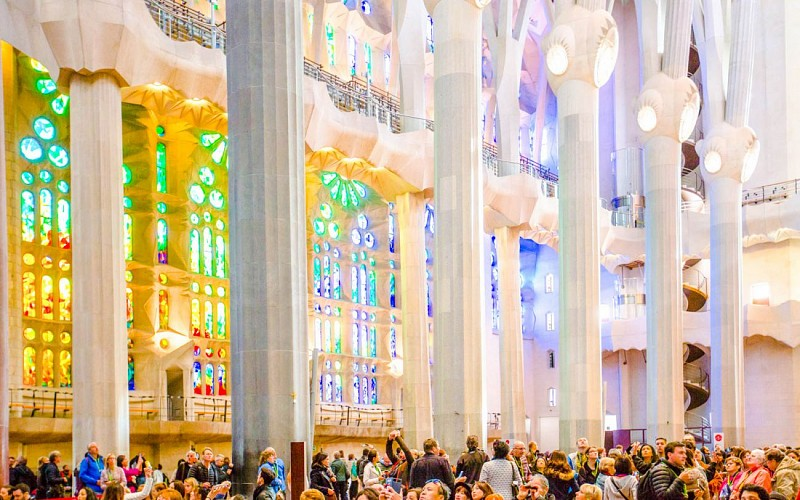 Fast-Track Ticket to Sagrada Familia & Barcelona eBike Guided Tour