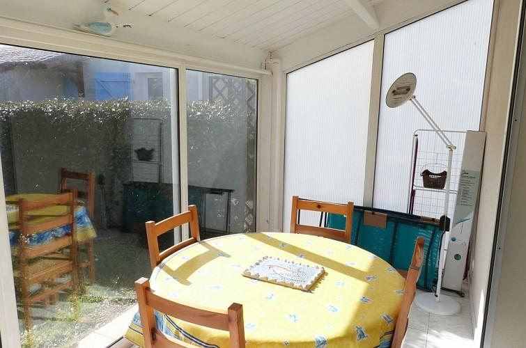 Maisonnette dans résidence très calme à 650m de la plage