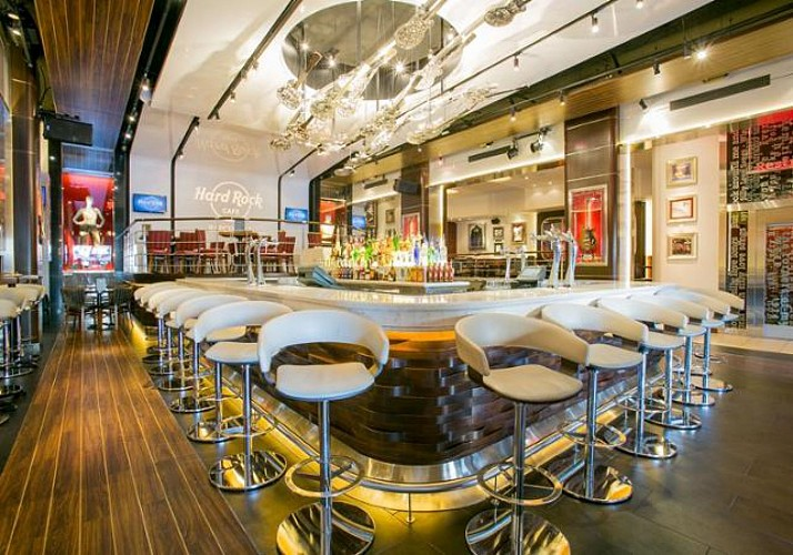 Hard Rock Cafe Barcelona: Priority Access + 3-Course Meal