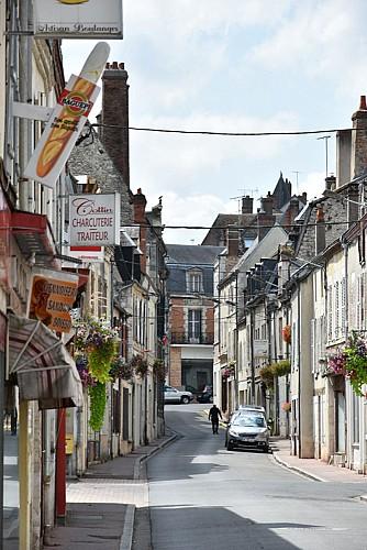 Châtillon sur Loire - grande rue - 8 aout 2018 - OT Terres de Loire et Canaux - IRémy  (39)