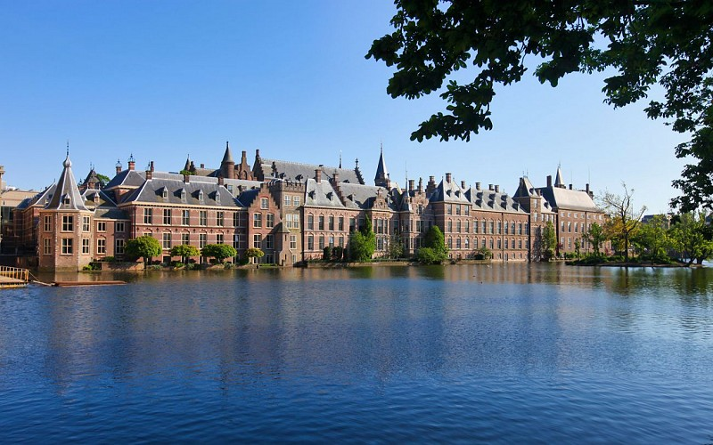 Best of Holland Tour with Canal Cruise