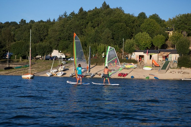 """Base nautique du Haut-Languedoc """"Cours/stages: Planche à Voile"""""""