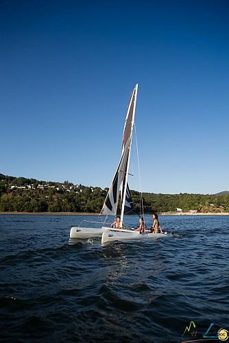 """Base nautique du Haut-Languedoc """"Cours/stages: Catamaran Dart 16"""""""