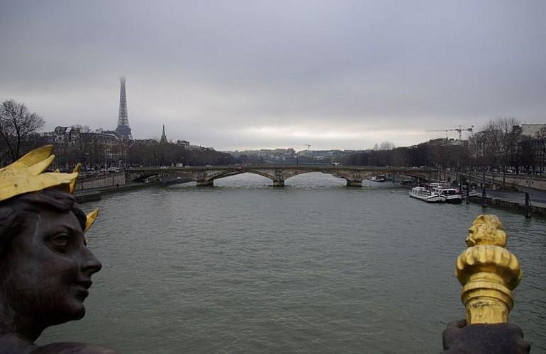Statue du pont des Invalides