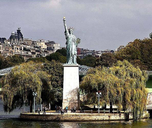 Statue du pont de Grenelle