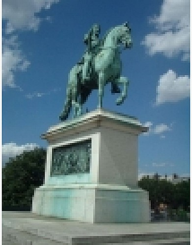 Statue of Pont-Neuf