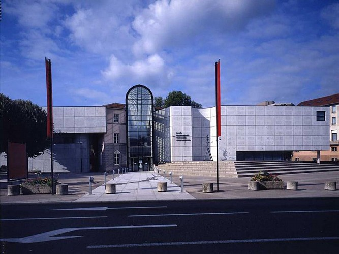 DEPARTMENTAL MUSEUM OF OLD AND CONTEMPORARY ART