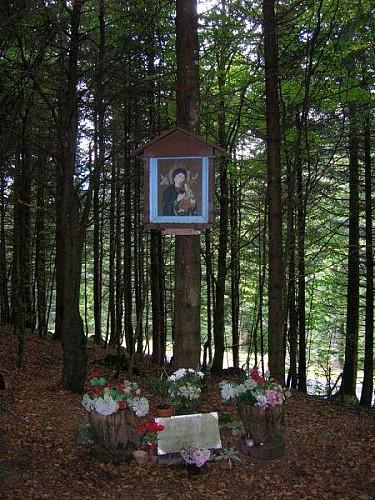 MONUMENT DU PERPETUEL SECOURS
