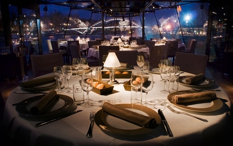 Bateaux Parisiens Evening Seine River Dinner Cruise with Optional Champagne