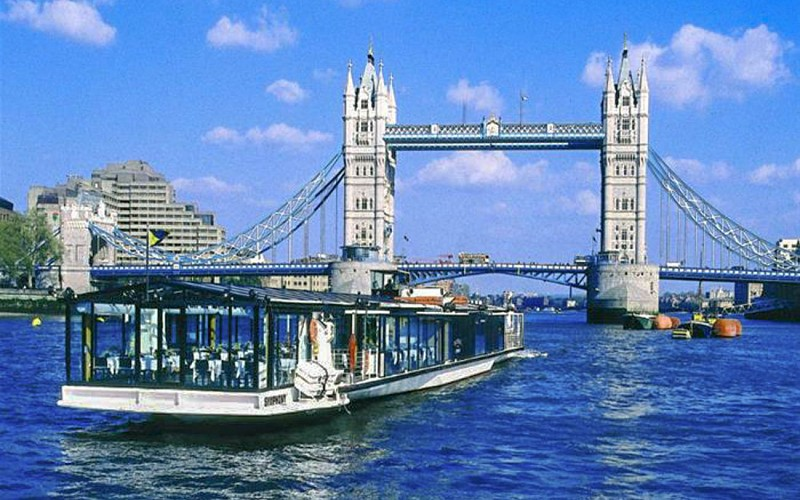 Bateaux London Lunch Cruise on River Thames
