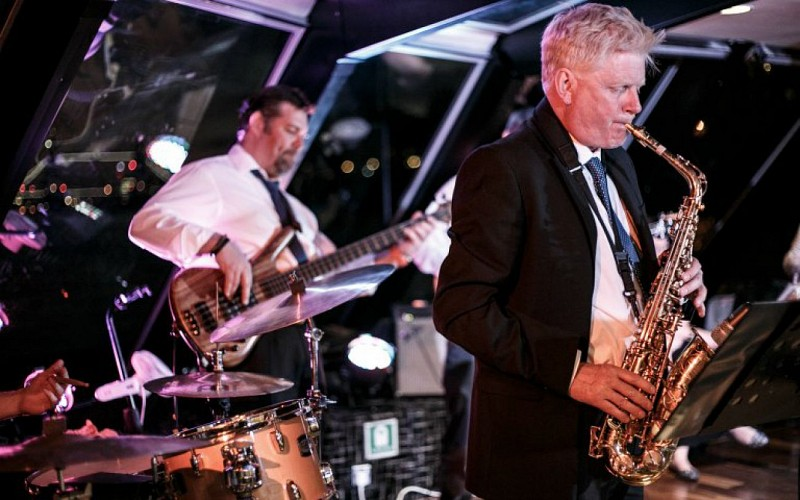 Friday Night Jazz Cruise on Thames River with 3 Course Meal & Wine