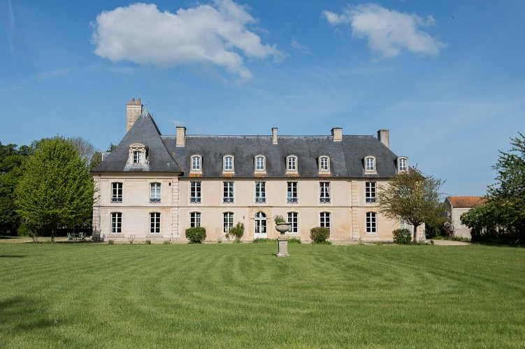 """""""Ô saisons, ô châteaux"""" (château de Cesny)"""