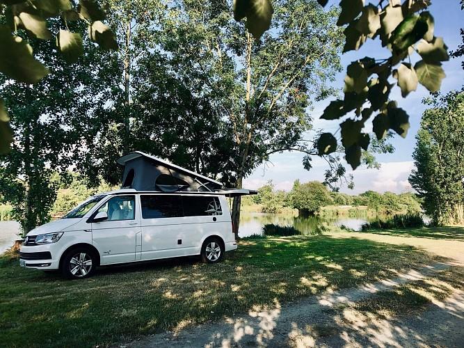 moncoutant-domaine-de-la-sabliere-aire-de-camping-voie-verte