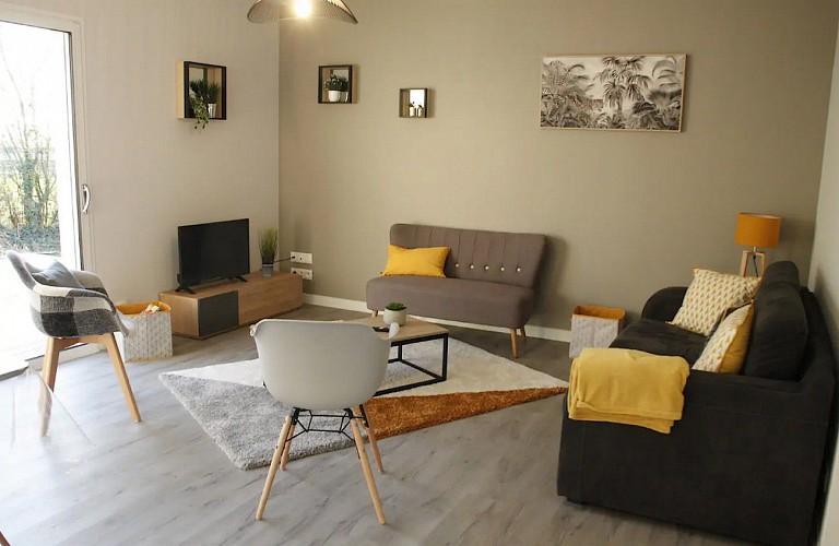 moncoutant-sur-sevre-gite-maison-a-vivre-salon1