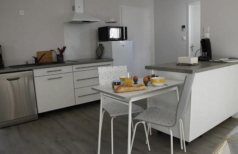 moncoutant-sur-sevre-gite-maison-a-vivre-cuisine1
