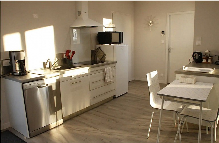 moncoutant-sur-sevre-gite-maison-a-vivre-cuisine2