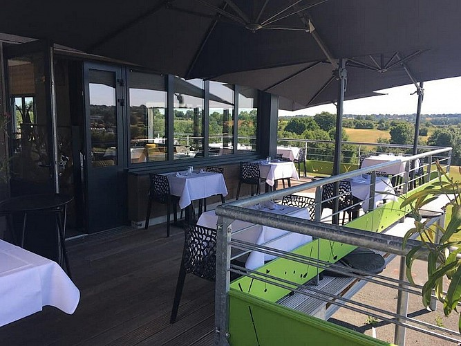 bressuire-restaurant-le-cygne-terrasse1