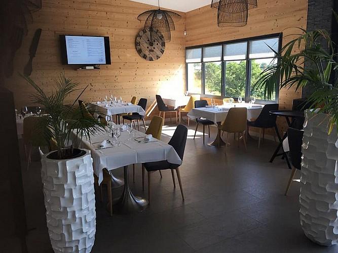 bressuire-restaurant-le-cygne-salle1