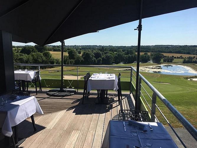 bressuire-restaurant-le-cygne-terrasse2
