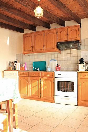 CS757 - 4 personas - 2 habitaciones - 3 espigas - Gouzon