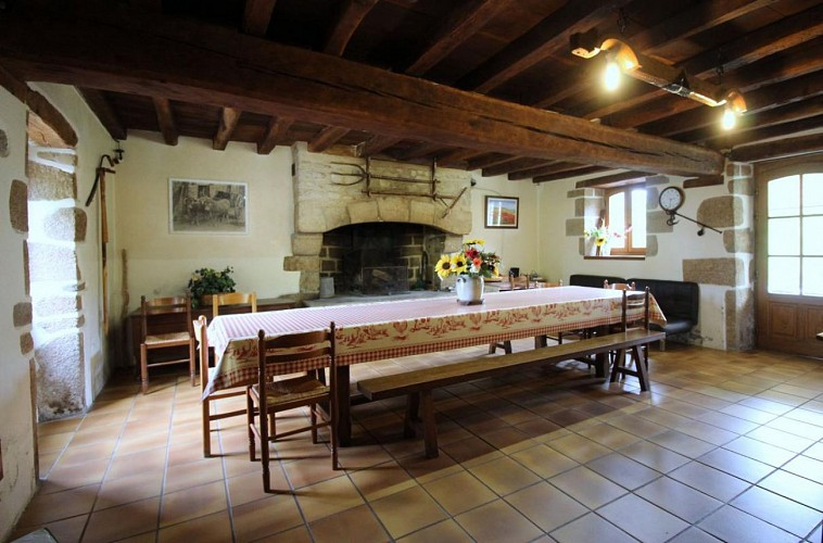 874039 - 14 people - 6 bedrooms - 3 'épis' (ears of corn) - Bersac sur Rivalier - fiche 2012