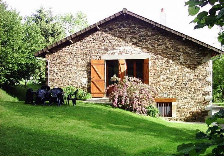 Gîte rural de Marie-Claude et Jean-Pierre CHABRIER (87- St-Just-Le-Martel)