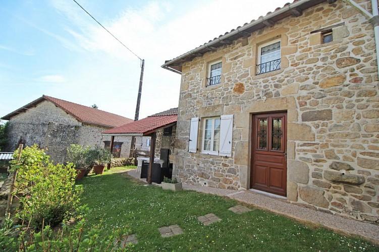 878050 - 4 people - 2 bedrooms - 2 'épis' (ears of corn) - Cognac la Forêt