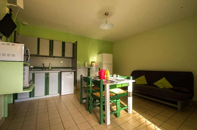 877511 - 5/7 people - 2 bedrooms - 2 'épis' (ears of corn) - Les Cars