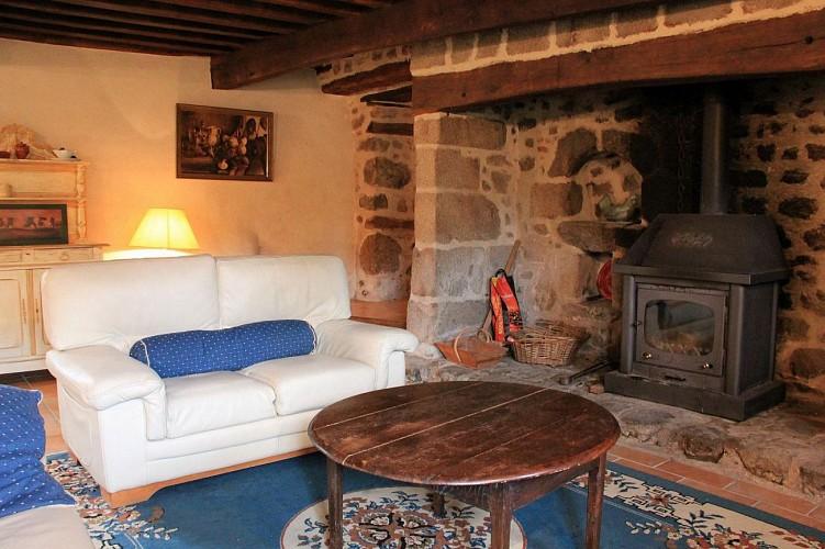 Location Gîtes de France - SAINT PARDOUX LE NEUF - 4 personnes - Réf : 23G942