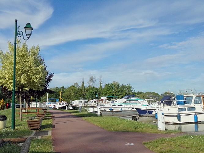 Châtillon sur Loire - port -16 mai 2017 (19) - OT Terres de Loire et Canaux -I.Rémy