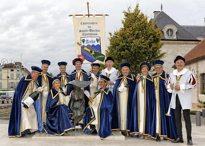 INTRONISATION PAR LA COMMANDERIE DU SAULTE BOUCHON CHAMPENOIS