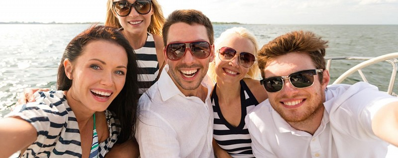 Costa Brava Day Trip & Cruise in a Glass-Bottom Boat