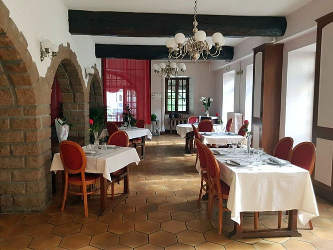 Le Chatel Hotel and Restaurant