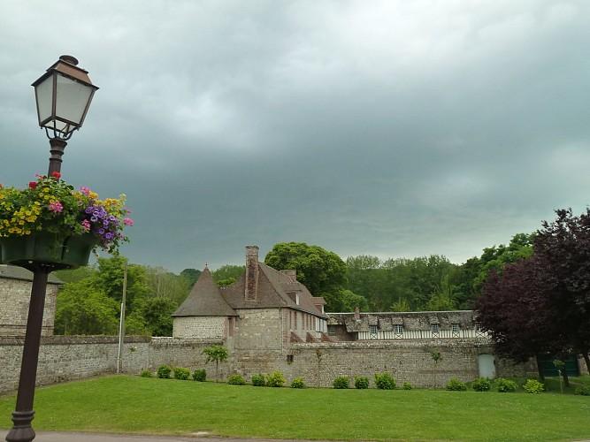 Départ: Étape 1: Hôtel de la Baronnie